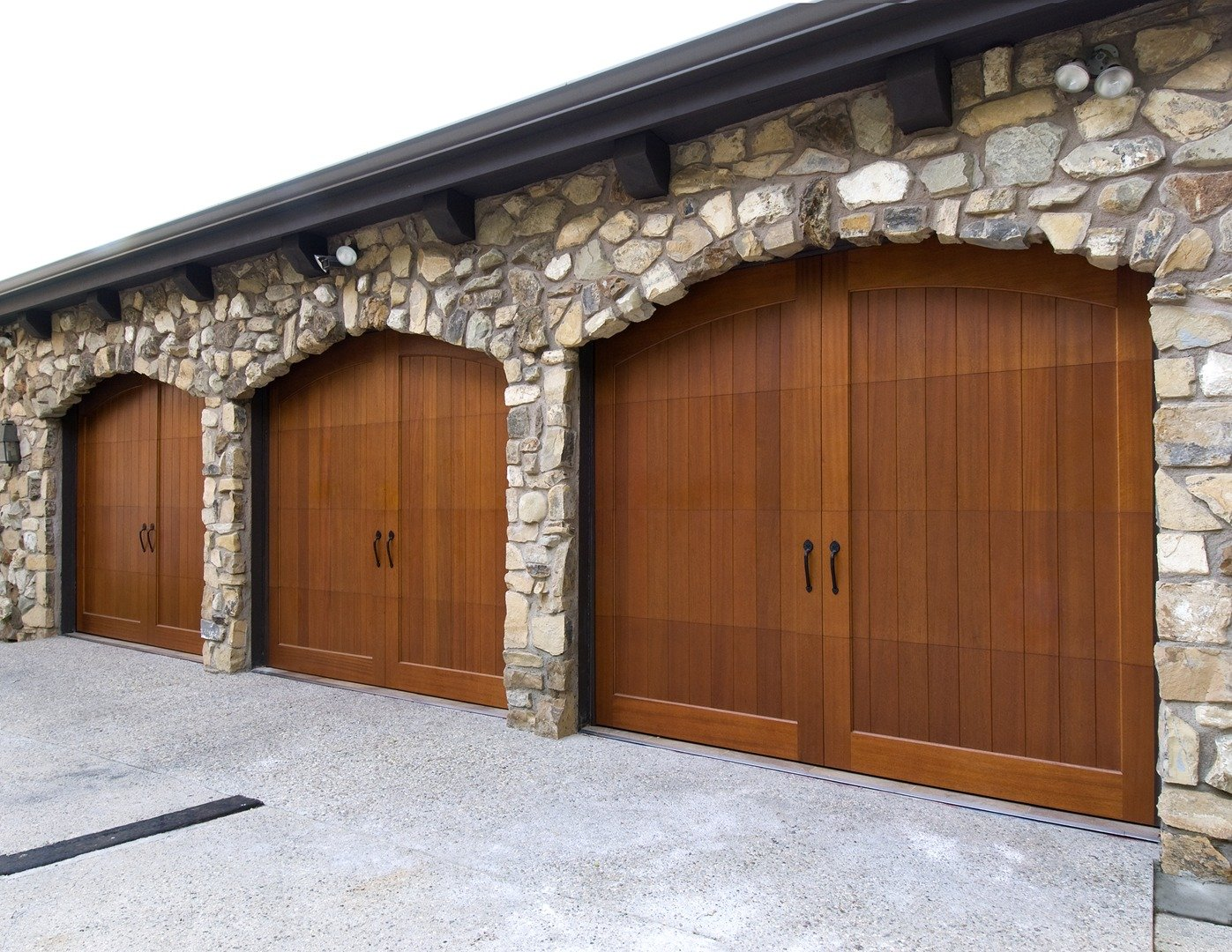 now doors construction pinnacle on available modern of banefits panels trac state style garage the many charm art with carriage door v martin groove